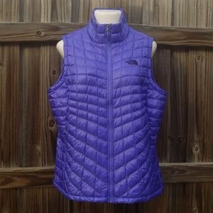 The North Face vest ThermoBall like new no tags